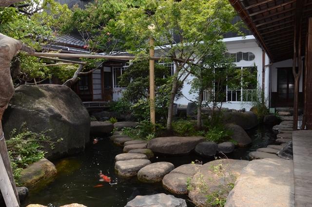 朝倉彫刻館池庭園